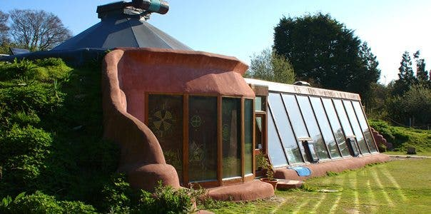 11 Reasons why Earthships are The Future