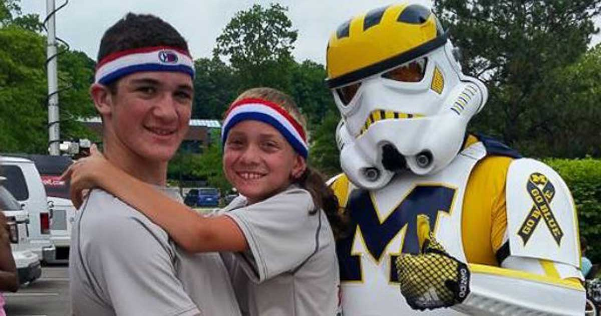 Michigan Teen Carries His Brother for 57 Miles