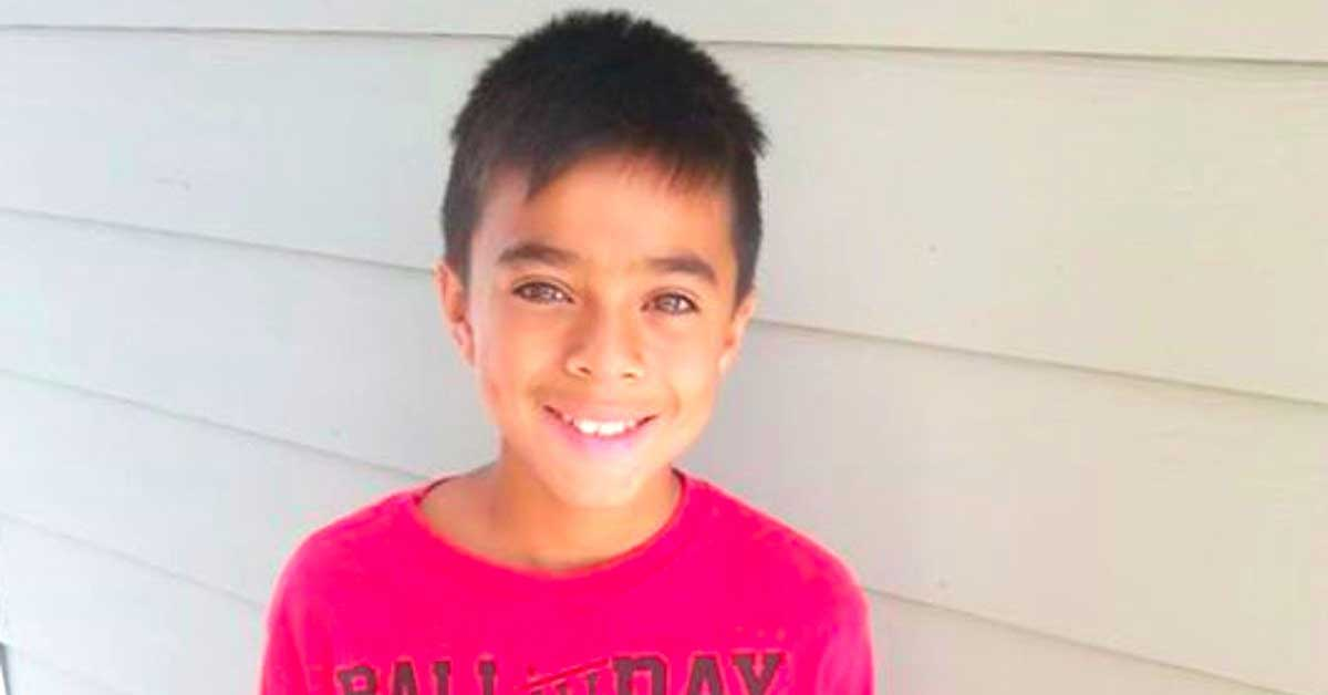 A Boy Who Couldn't Afford Books Asked his Mailman for Junk Mail – What He Got is Amazing