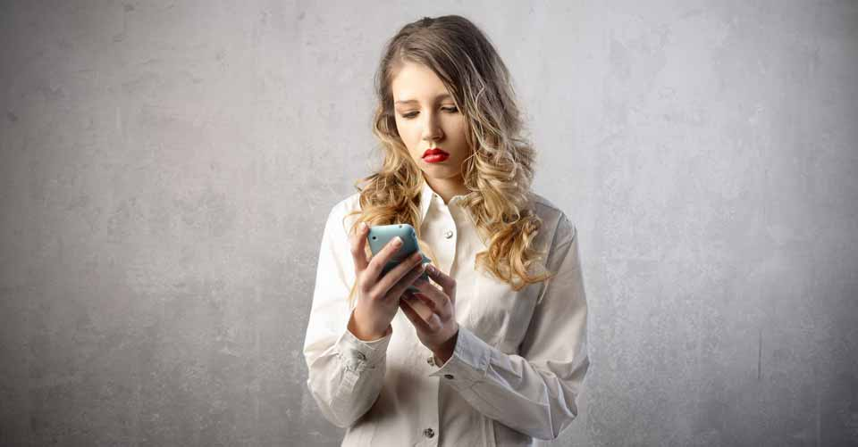 Study Shows Cellphone Use Can Lead To Damaged Relationships And Depression