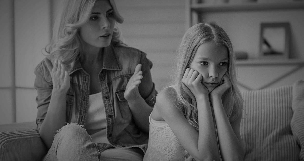 7 Defining Signs Of Toxic Parents Many People Fail To Spot